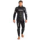 A 2-piece wetsuit 3.5mm built for Freedivers